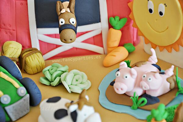 Peachy Farm Tractor And Animals Birthday Cake 5 6 Farm Cake For Flickr Funny Birthday Cards Online Benoljebrpdamsfinfo