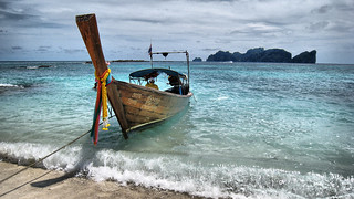 Phi-Phi Lay, long tail boat | by Jo@net