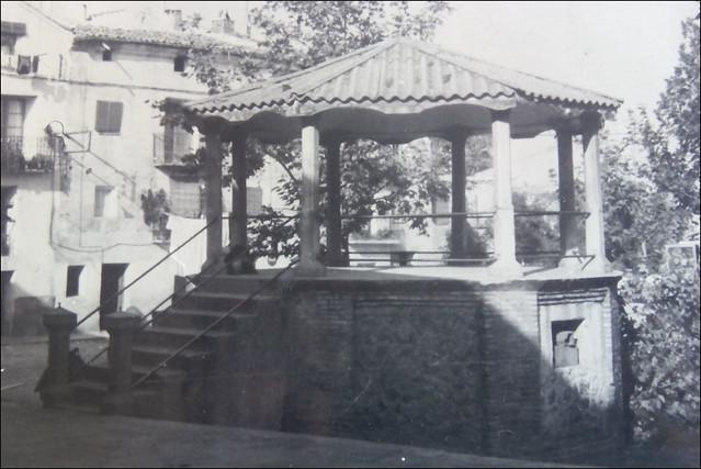 Antiguo quiosco de Murillo de Río Leza (La Rioja, España, 195?)
