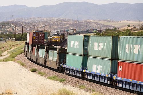 california canon outdoors desert trains transportation unionpacific hesperia canondslr locomotives cajon railroads inlandempire cajonpass alltrains movingtrains deserttrains sbcusa alltypesoftransport kenszok