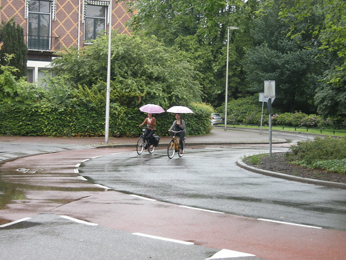 A roundabout in the rain DSCN9264