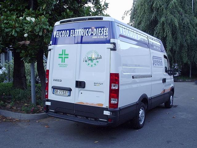 iveco van con motore elettrico e motore diesel euro 4 con FAP
