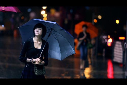 雨夜的浪漫 Romance in the Rain | by James Yeung