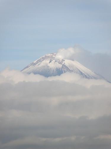P8200430 Volcan Popocatepetl Vista Calzada Zavaleta, Puebla,.Puebla. Mexico por LAE Manuel Vela