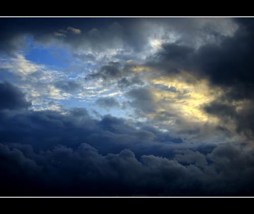 clouds gothenburg olympus hdr e410 olympuse410 revelationsarefoundinclouds olympuszuikodigital2528 sergekahili