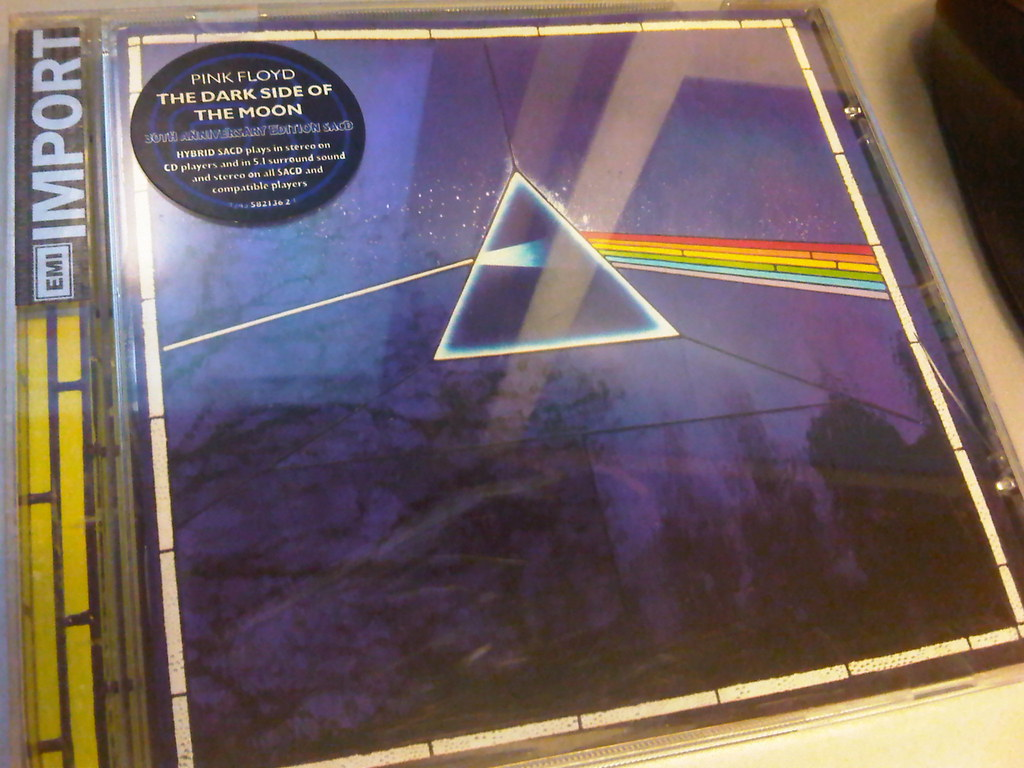 Pink Floyd - Remaster: The Dark Side of The Moon | Hendra