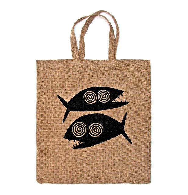 Jute bag with the hipnotized piranhas