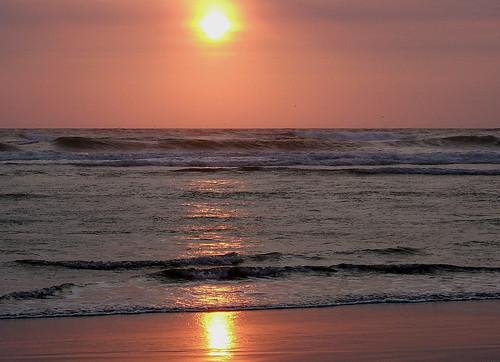 sunset beach pacificocean wa pacificcoast august2006 oceanshoreswa saywa experiencewa shesnuckinfuts washingtonstateoutdoors