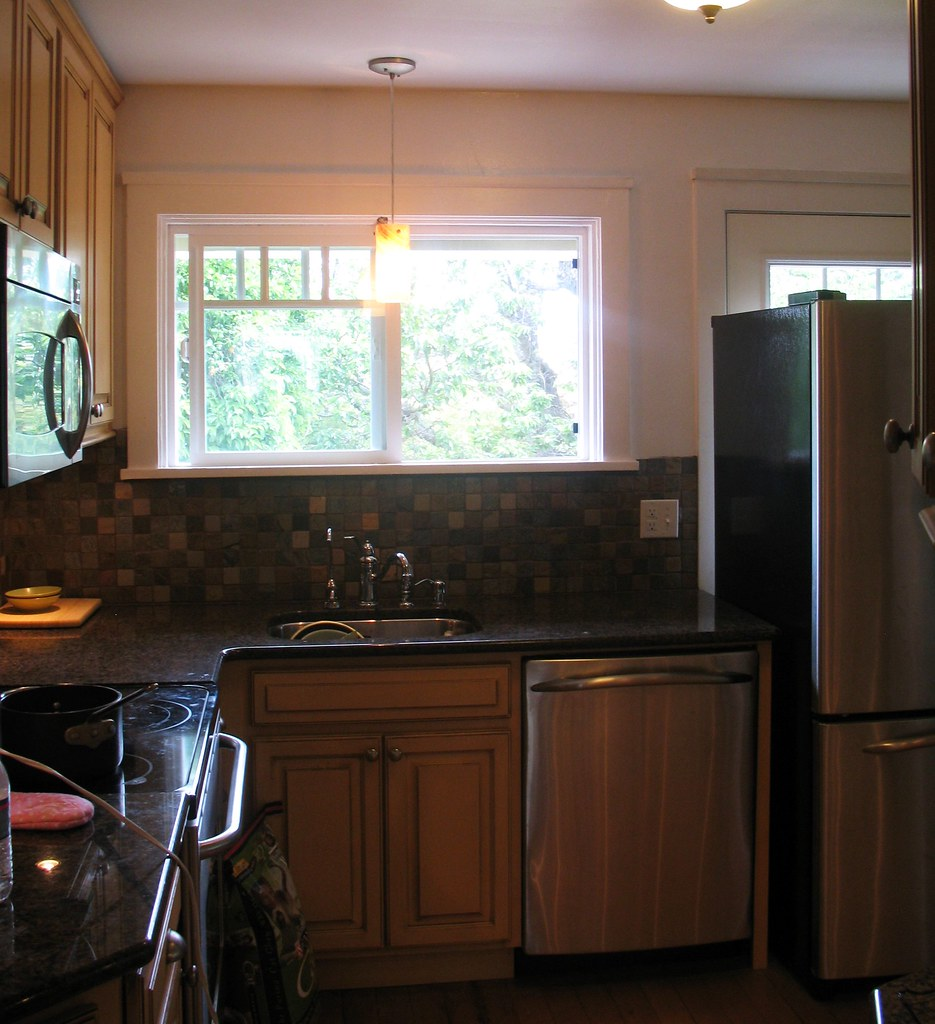 Kitchen Jobs: Before With The Hideous Green