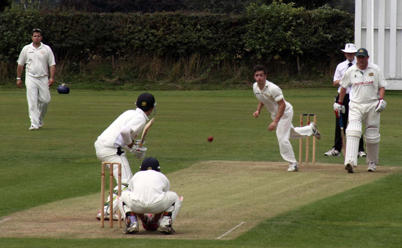 Grappers,CC,Grappenhall,Cricket,Team,draw,PoyntonCC,Poynton,1stXI,Grappenhall Village,Cheshire,England,UK,village,Warrington,A50,A56,365days,sport,sporting,action,play,players,Hotpicks,hotpics,hot,pics,pix,picks,hotpix.freeserve.co.uk,hotpix!