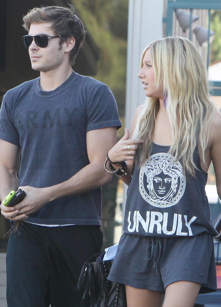 zijn Ashley Tisdale en Zac Efron nog steeds dating Keep dating uw echtgenoot