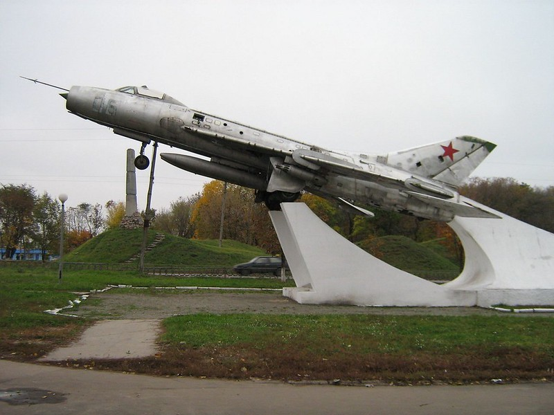Sukhoi Su-7B Installateur 2