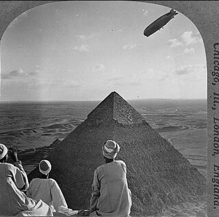 (animated stereo) Graf Zeppelin, Pyrimid at Giza, 1931