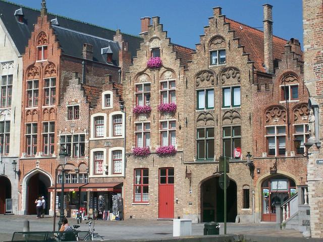 Brugge - Bruges, case sulla Jan Van Eyckplein