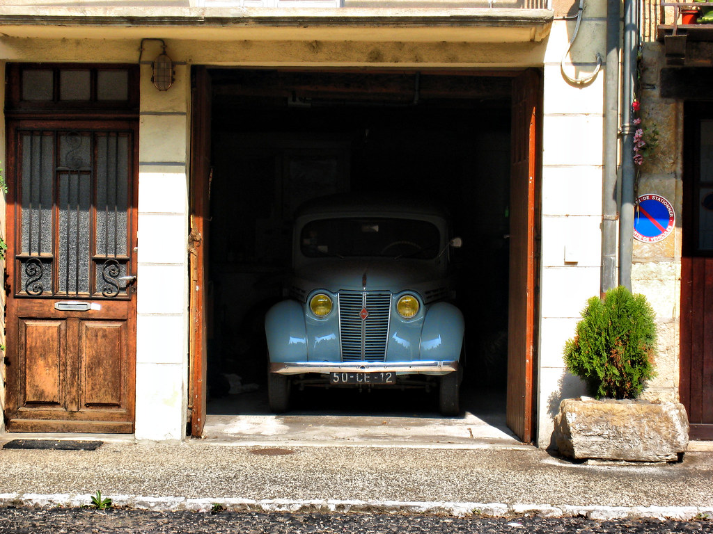 Garage and antique car | An antique car into the garage | Flickr