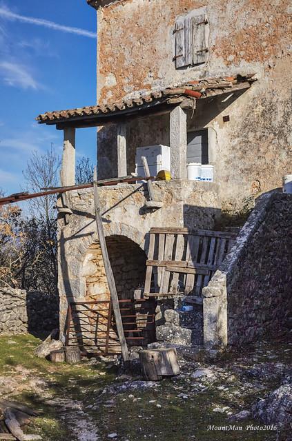 Iz sela Ivanje na Tramuntani na otoku Cresu (V)