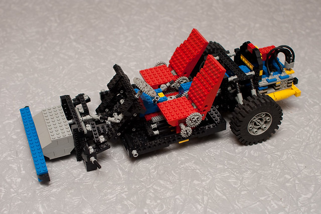 Lego Car Chassis (8860) | Lego technic set 8860, not complet… | Flickr