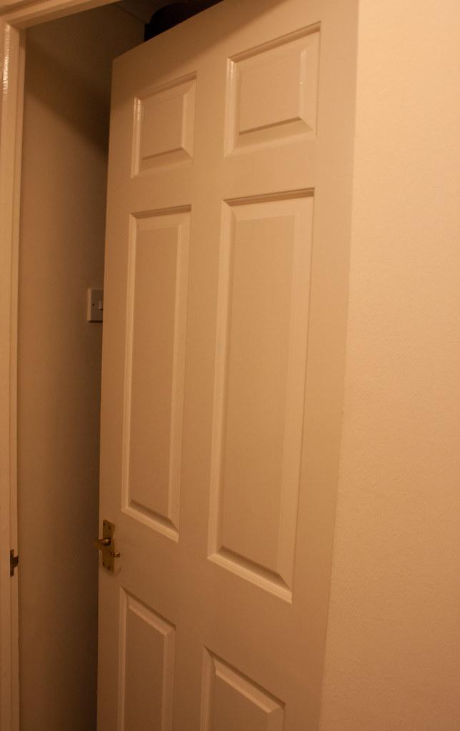 Pintu Bilik Tidur Tak Boleh Bukak Sebab Selimut Tak Lipat Flickr
