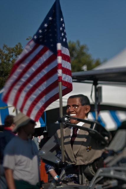 Maker Faire 2009: The walking Obamabot