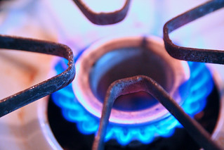 Gas Stove Burner 12-28-09 -- Dec282009_1389 | by stevendepolo