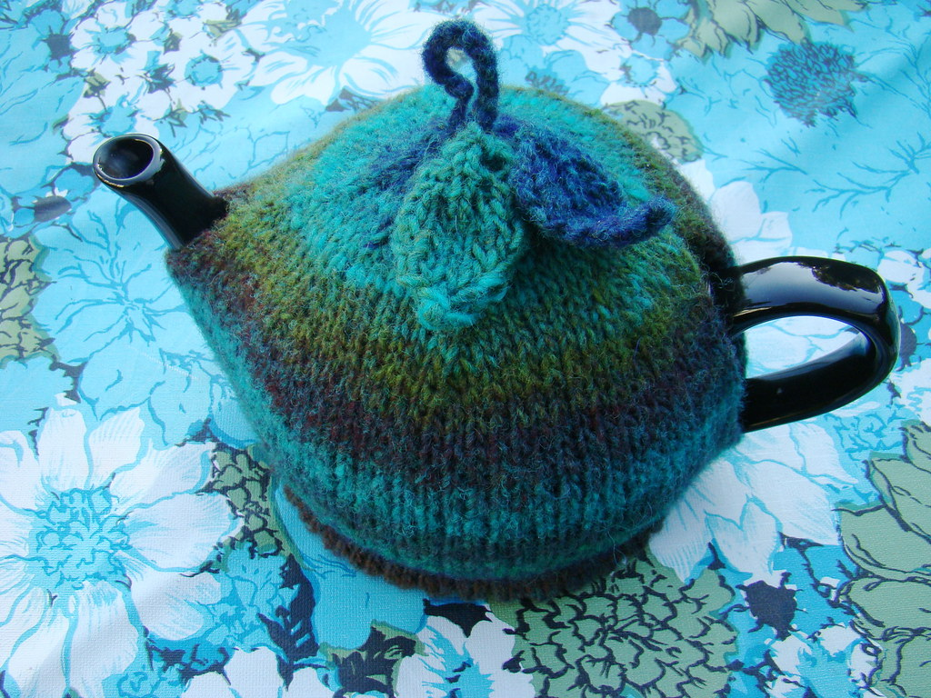 My knitted teacosy