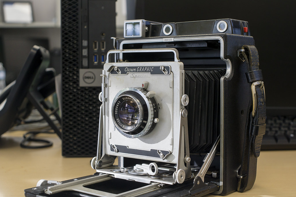 CCR Review 58 - Graflex Pacemaker Crown Graphic