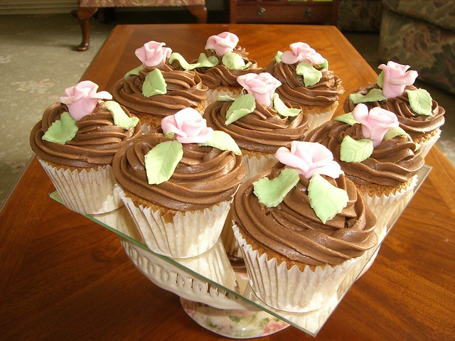 Chocolate Muffins/Cupcakes with Roses