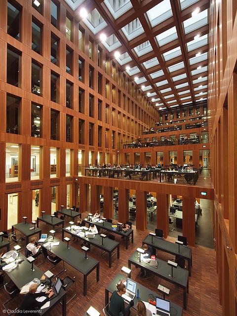 Berlin - Jacob-und-Wilhelm-Grimm-Zentrum - Bibiliothek der Humboldt-Universität