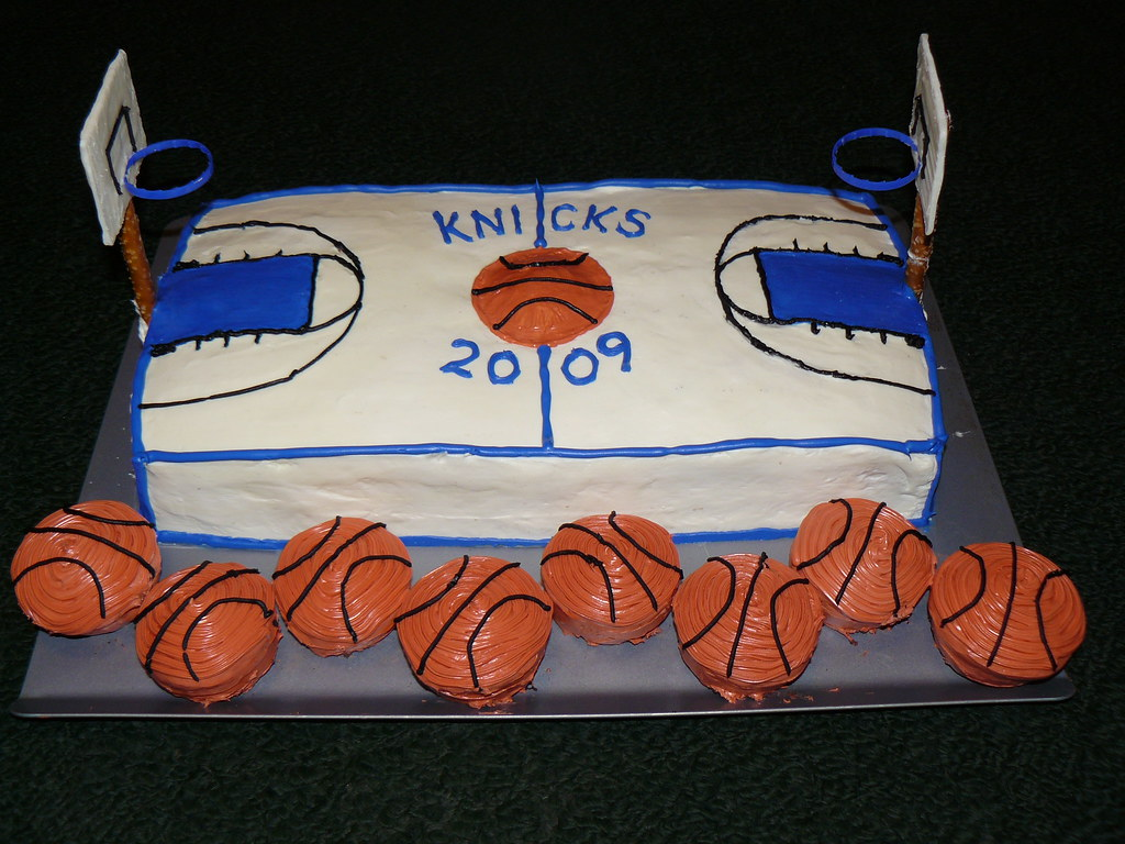 Outstanding Basketball Court Cake 2 Bakboards Were Made Out Of Home Ma Flickr Funny Birthday Cards Online Kookostrdamsfinfo