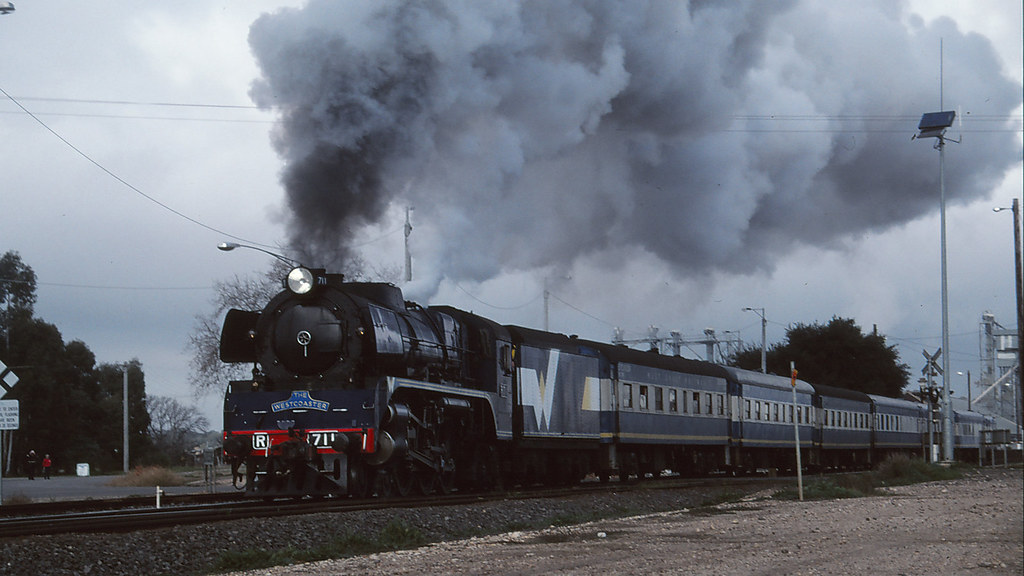 4163 - 1999-07-04 - Dunolly by michaelgreenhill