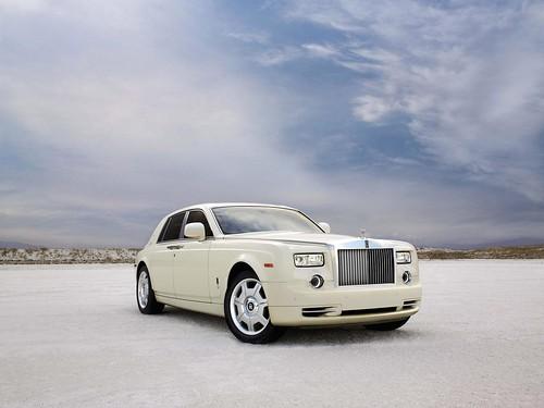Rolls-Royce Phantom | by davmirsim