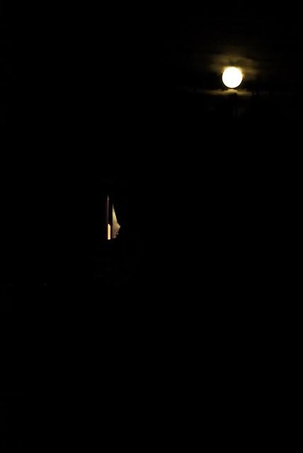 Full Moon, Crescent Window