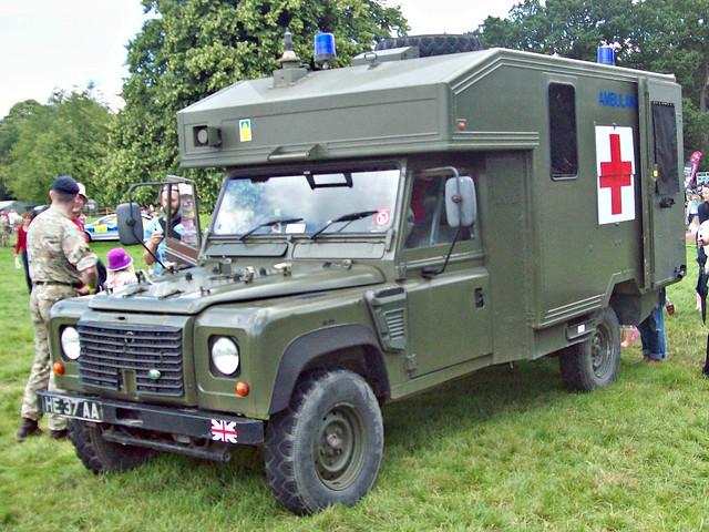 887 Land Rover Defender (1990-16) _ Field Ambulance