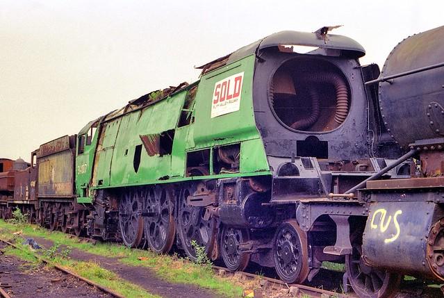 34007 >> Barry Scrapyard 34007 Wadebridge The Rusting Remains Of Flickr