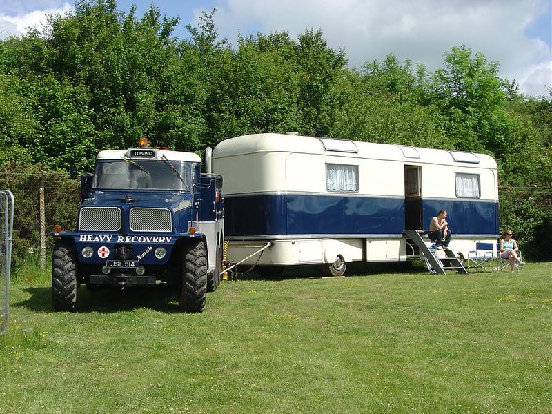 "JSL 514 - 1944 Scammell Pioneer ""Nemesis"" - Heavy Haulage + Showmans caravan @ Gaydon 2009"