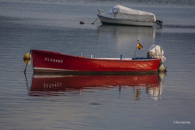 Barca roja