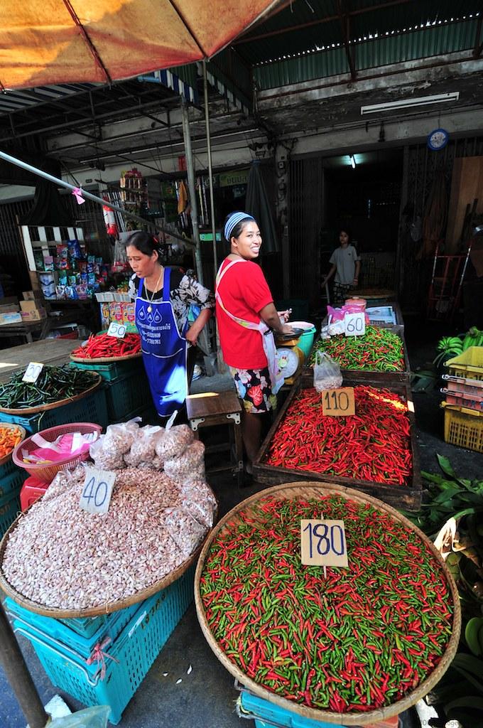 Chillis @ Khlong Toei market - คลองเตย