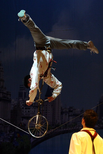 Chinese Acrobats (杂技) | by eviltomthai