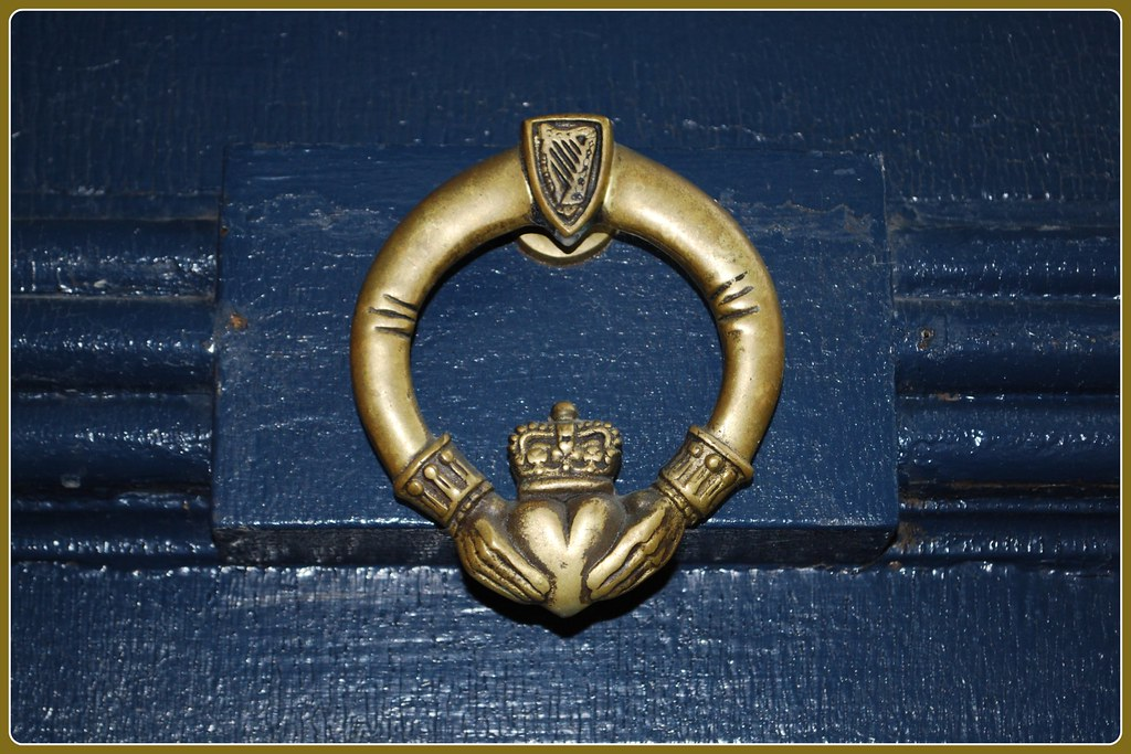 Picture of: Claddagh Door Knocker Cleofysh Flickr