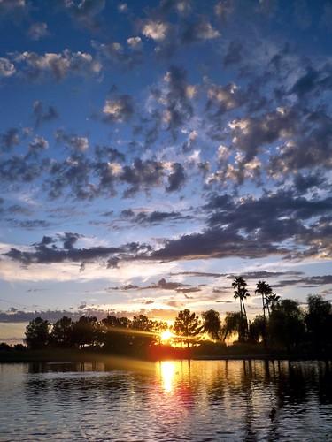 park sunset arizona sky usa sun sunlight lake reflection nature water clouds landscape pond day cloudy dusk scenic az gilbert rays freestone gilbertarizona freestonepark perfectsunsetssunrisesandskys