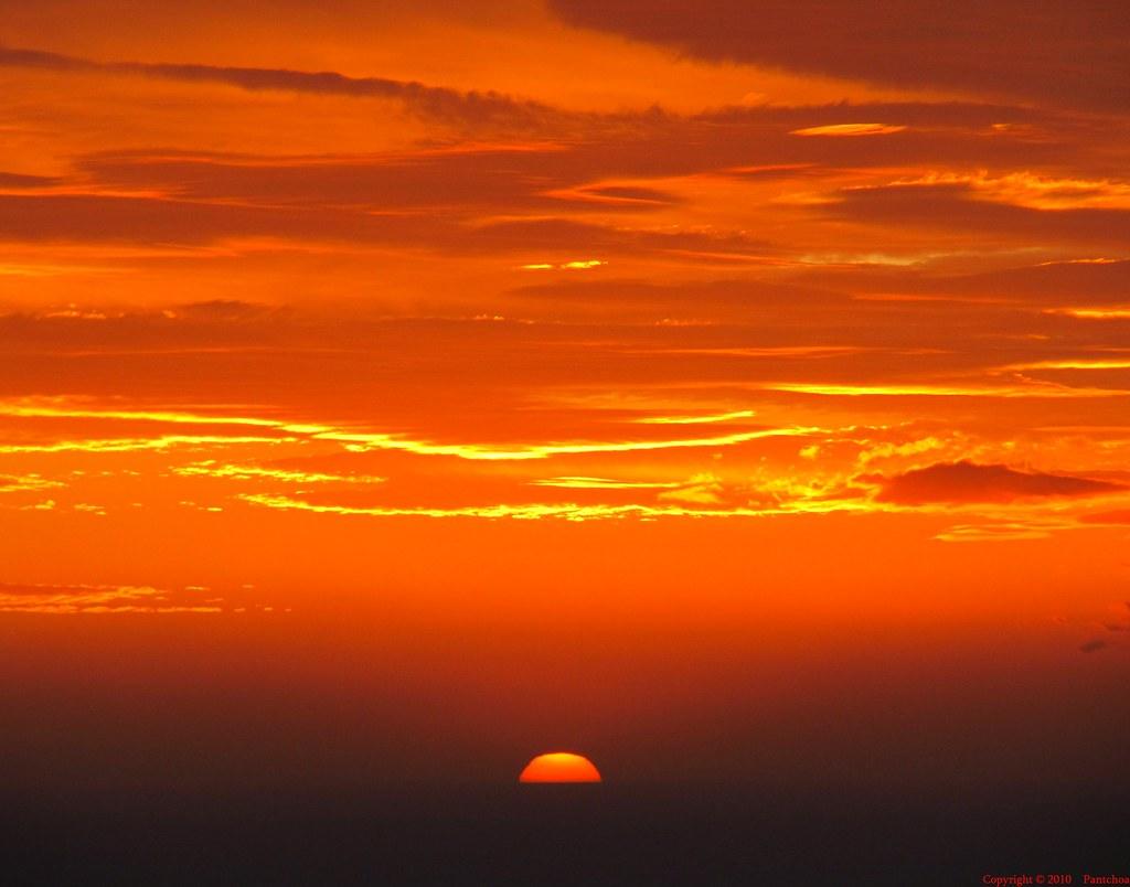 Coucher De Soleil Sur La Mer A Cassis Coucher De Soleil Du Flickr