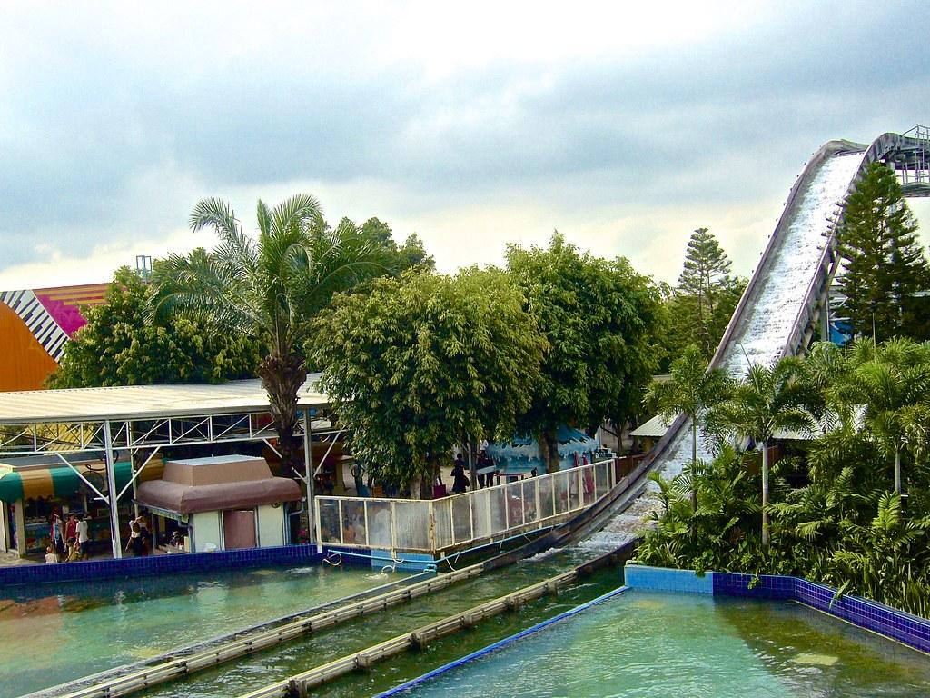 "The ""Super Splash"" ride in Dream World amusement park in B…   Flickr"