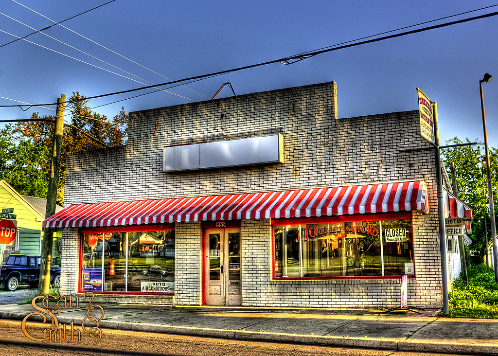 Old Auto Shop In The Modern Downtown Of Biloxi Ms There Flickr