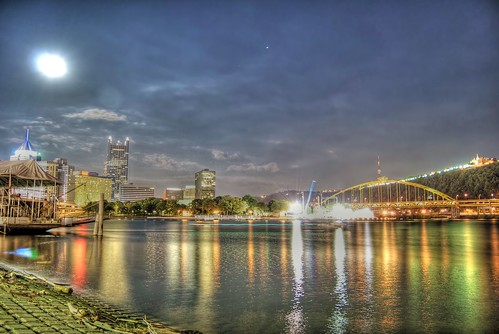 ohio photoshop point nikon downtown pittsburgh tripod nikkor hdr highdynamicrange allegheny monongahela cs4 ribfest pittsburghpa steelcity photomatix yinzer pittsburghbridges d40 cityofbridges tonemapped theburgh ivers pittsburgher d40x worldwidelandscapes thecityofbridges pittsburghphotography evad310 davedicello pittsburghcityofbridges steelscapes picturesofpittsburgh cityofbridgesphotography