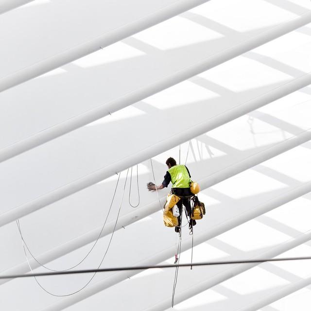 Spiderman at work (in Liège Guillemins)