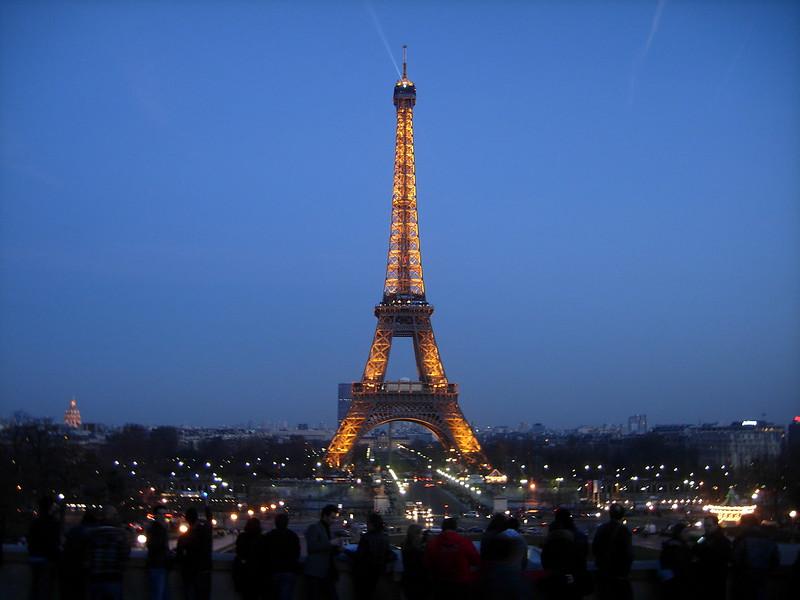 Eiffel tower, full on