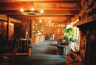 Cozy, comfortable lodgings | by Ranchseeker (www.ranchseeker.com)