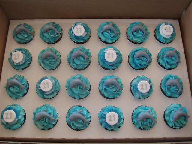 Mossy's masterpiece - Bec's 21st Dolphin cupcakes
