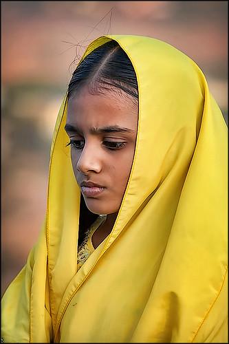 travel madurai oochappan 2007 img6570a dravidian canon eos tamil women woman canoneos5d tamilnadu southindia india indianphotography standing indianlady tamilwoman tamilwomen indianwomen tamillifeculture tirukazhukundram
