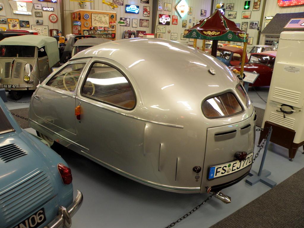 1951 Hoffmann ~ Rear-wheel steering